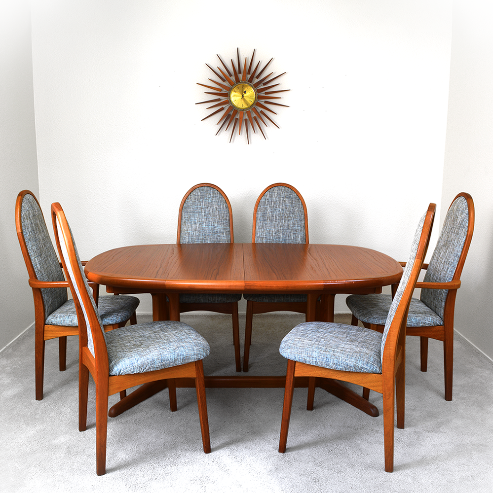 Mid Century Danish Modern Vintage Benny Linden Teak Dining Table with two leaves las vegas